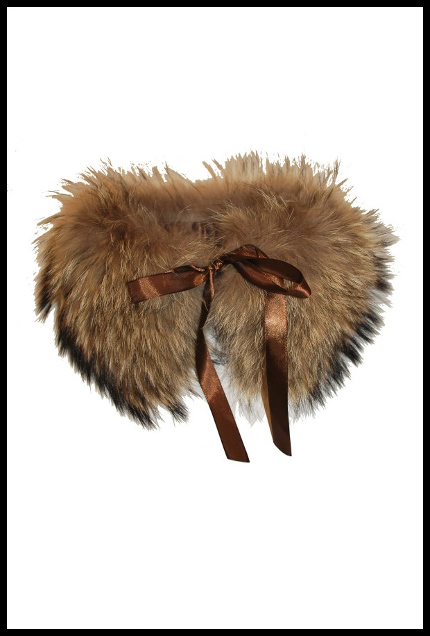 Image 1 - Col en fourure de ragondin . autre Salvinia couleur  Derhy